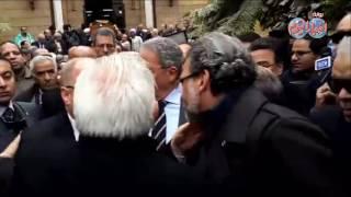 أخبار اليوم | عمرو موسى وحلمي النمنم وخالد يوسف في جنازة الشاعر سيد حجاب