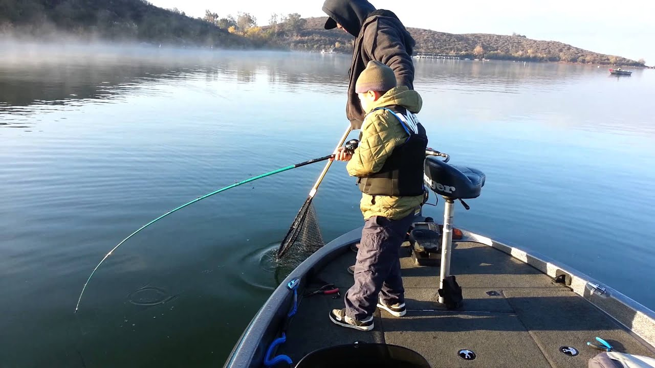 Winter striped bass fishing at lake skinner youtube for Lake skinner fish report