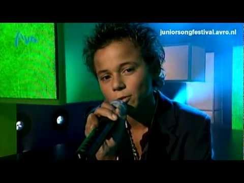 Giovanni - Machteloos - Halve finale Junior Songfestival 2005