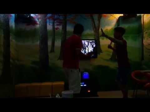 Điệu nhảy Bamboo bá đạo trong quán Karaoke -P4