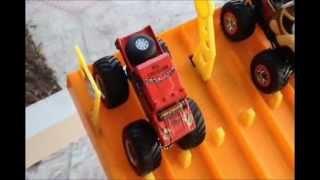 Hotwheels Monster Truck Drag Racing 4