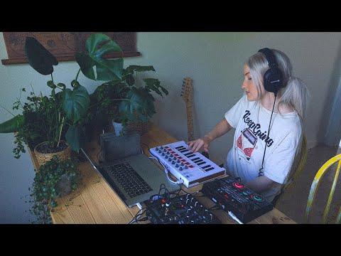 Swedish live looping with Pro Tools, Boss RC-202 & Arturia minilab MK2 | Ambience original