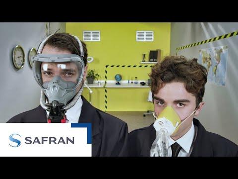 Tout sur la sécurité à bord dun avion - SimplyFly by Safran, épisode 12