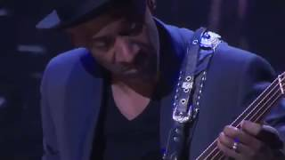 Marcus Miller Bass solo - Tutu -  live 2013 - What a touch