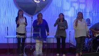 Alabanzas y adoración con las Damas de Regeneración IEMS