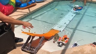 HOT WHEELS & MATCHBOX IN THE POOL