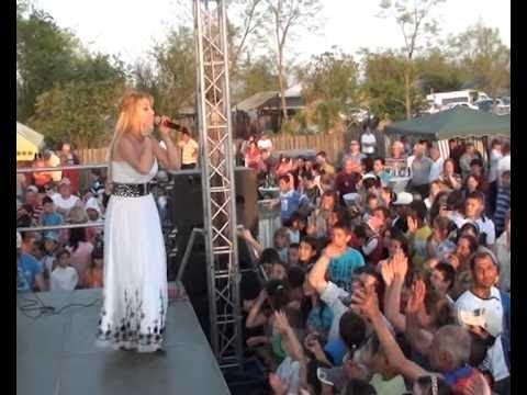 Lorenna-spectacol live-URLEASCA-langa Braila-29 aprilie 2012TE IUBESC 0728.222.533