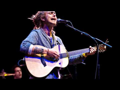 Trevor Hall - You Find Me & All Stoned up LIVE ( 2 songs ).wmv