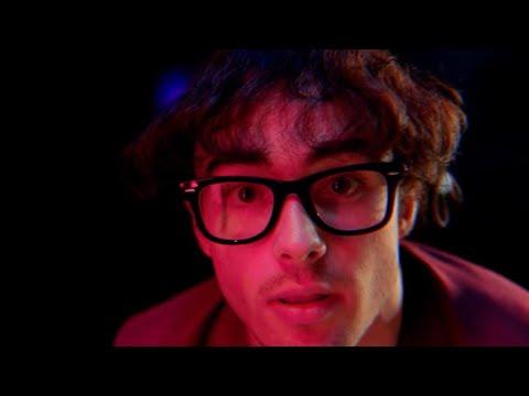 Смотреть клип Alfie Templeman - Wait, I Lied