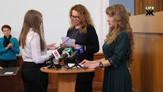 У Житомирі обдарованих учнів відзначили стипендіями міського голови