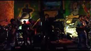 Priscilla Band en la Puerta Verde