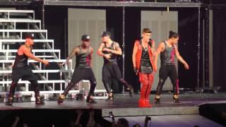 Justin Bieber Performing Boyfriend in Chicago 7.9.13