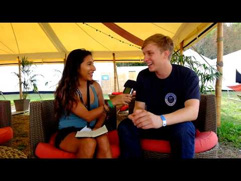 George Ezra - Sarah's Interview - Rock en Seine Festival