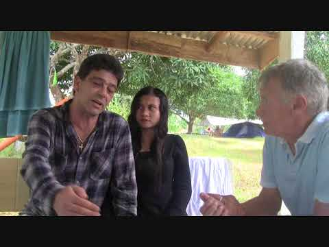 MITCH FROM AUSTRALIA ONE ON ONE INTERVIEW WITH A LOVELY FILIPINA LADY  EXPAT PHILIPPINES
