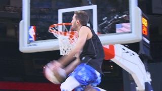 CRAZY Dunks At Halftime Of Celebrity Game Ft. Jordan Kilganon And Crew! thumbnail