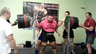 Тренировка Жеки Ярымбаша, приседания 400кг