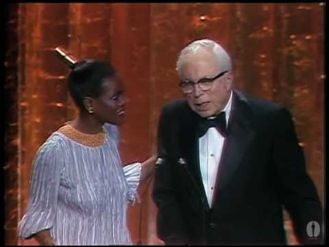 Woody Allen Wins Best Directing: 1978 Oscars