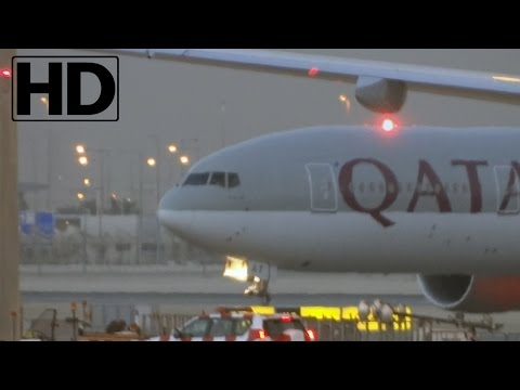 HD CloseUP | Qatar Airways Boeing 777-3DZ(ER) Taxiing and Parking at Hamad Int'l Airport