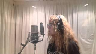 """Mathilde Lunderskov synger """"FREAKING STORSLÅET"""""""