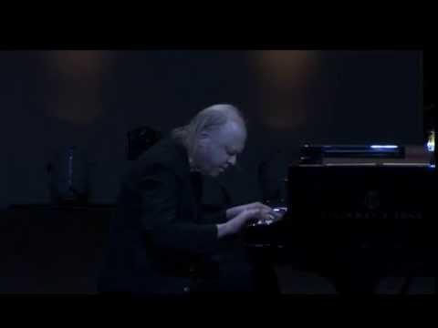 Valery Afanassiev plays Schubert Piano Sonata D. 960 - video 2013