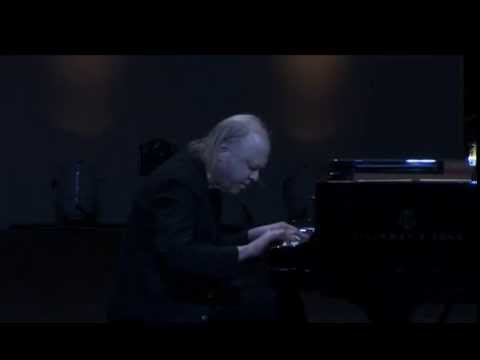 Valery Afanassiev plays Schubert Piano Sonata D. 960 - video 2013