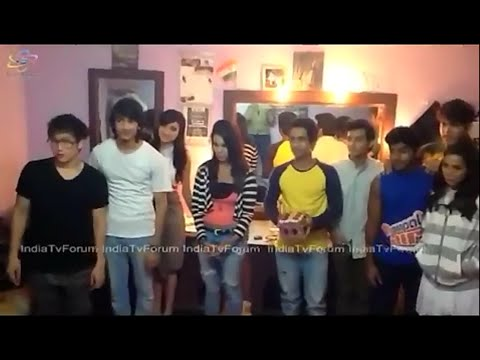 Dil Dosti Dance Cast Plays Snakes & Ladder Game