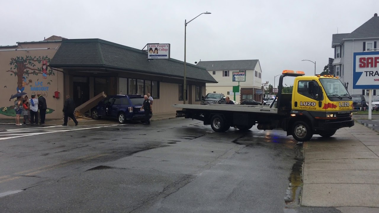 Single vehicle crash into Little People's College in New Bedford