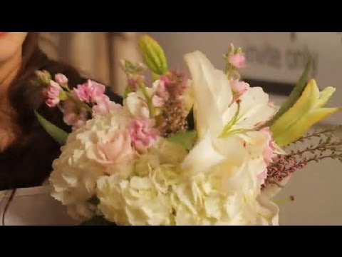 What Colors to Use With a White Lily Bouquet : Wedding Flowers ...