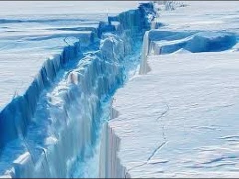 SCIENTIST FORCED TO FLEE ANTARCTIC RESEARCH BASE AS MASSIVE CRACK OPENS ICE SHEET!!