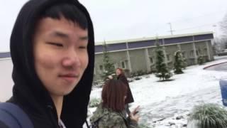 Китаец смеётся
