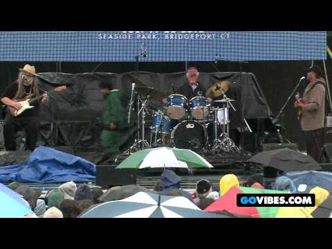 """7 Walkers Perform """"Mr. Charlie"""" at Gathering of the Vibes Music Festival 2012"""