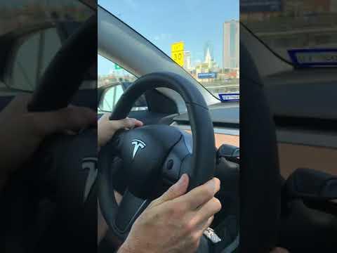 Tesla Model 3: Enhanced Autopilot