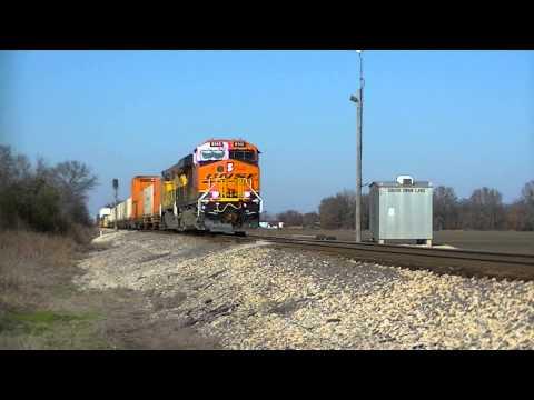 BNSF 8142 South CN Q194 @ Glendora MS 12-30-14