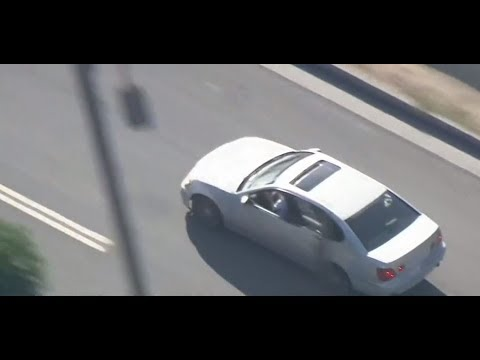 Wild LA police chase ends with suspects hugging