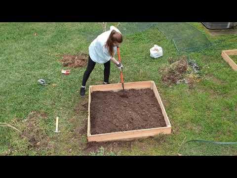 DIY Raised Garden Bed Build