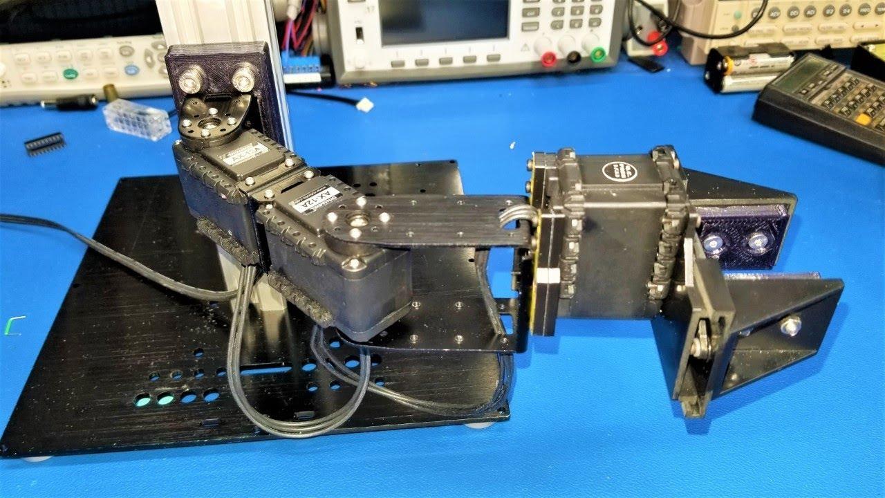 A simple Dynamixel robot arm by Corgitronics