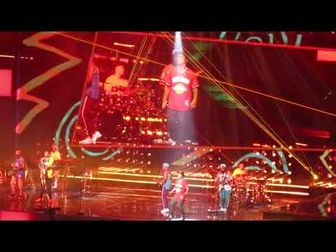 Bruno Mars Performing 'Locked Out Of Heaven' Prudential Center In Newark, NJ 10/2/2018