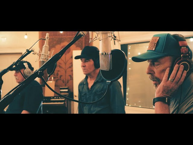 I Can Help - Bellamy Brothers Ft. Dennis Quaid Official Music Video
