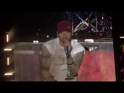 Download Youtube: Eminem - Lose Yourself  - live Leeds Festival 2017