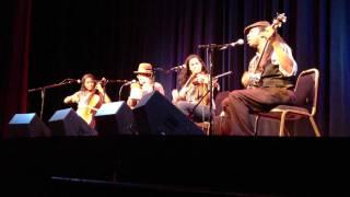 Carolina Chocolate Drops - Cornbread And Butterbeans (HD Live at Bijou, Dec. 9, 2011)