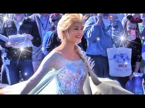 Elsa freezes Walt Disney World with Anna, Kristoff, Olaf in Frozen Christmas Celebration parade