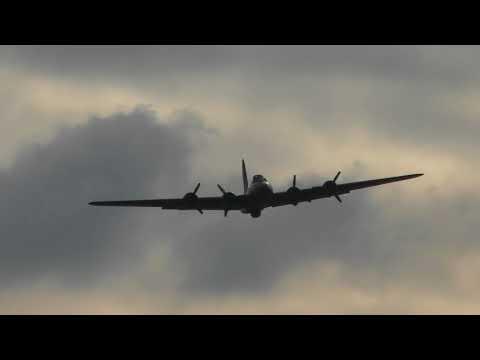 aviation P51D Mustangs collision Accident  Duxford Battle of Britain Air Show 23sep17 409p & C47 & B