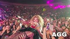 """Gloria Trevi STAGE DIVE! Primera Fila """"Pelo Suelto"""" Laredo 2017 Versus ALEJANDRA GUZMAN 4K HD"""