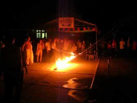 Đốt lửa Trại Xuân Trường THPT Tân Hưng.