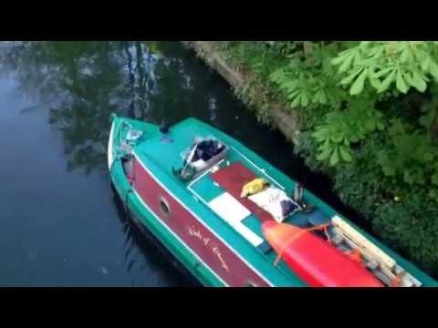 Drunk people steering barge along regents canal #regentspark #london #drunk #boat