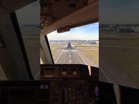 Aer Lingus Landing 757-200 KJFK (cockpit view)