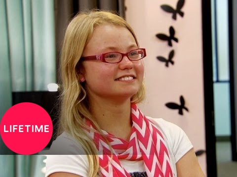 Download Kim of Queens: The Outspoken Girl Around the World (S2, E6) | Lifetime