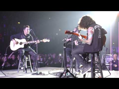 Fall Out Boy - I'm Like A Lawyer... Acoustic live @ Wembley Arena