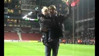 Danske Fodbold Fanklubber Hyldest til Jon Dahl Tomasson