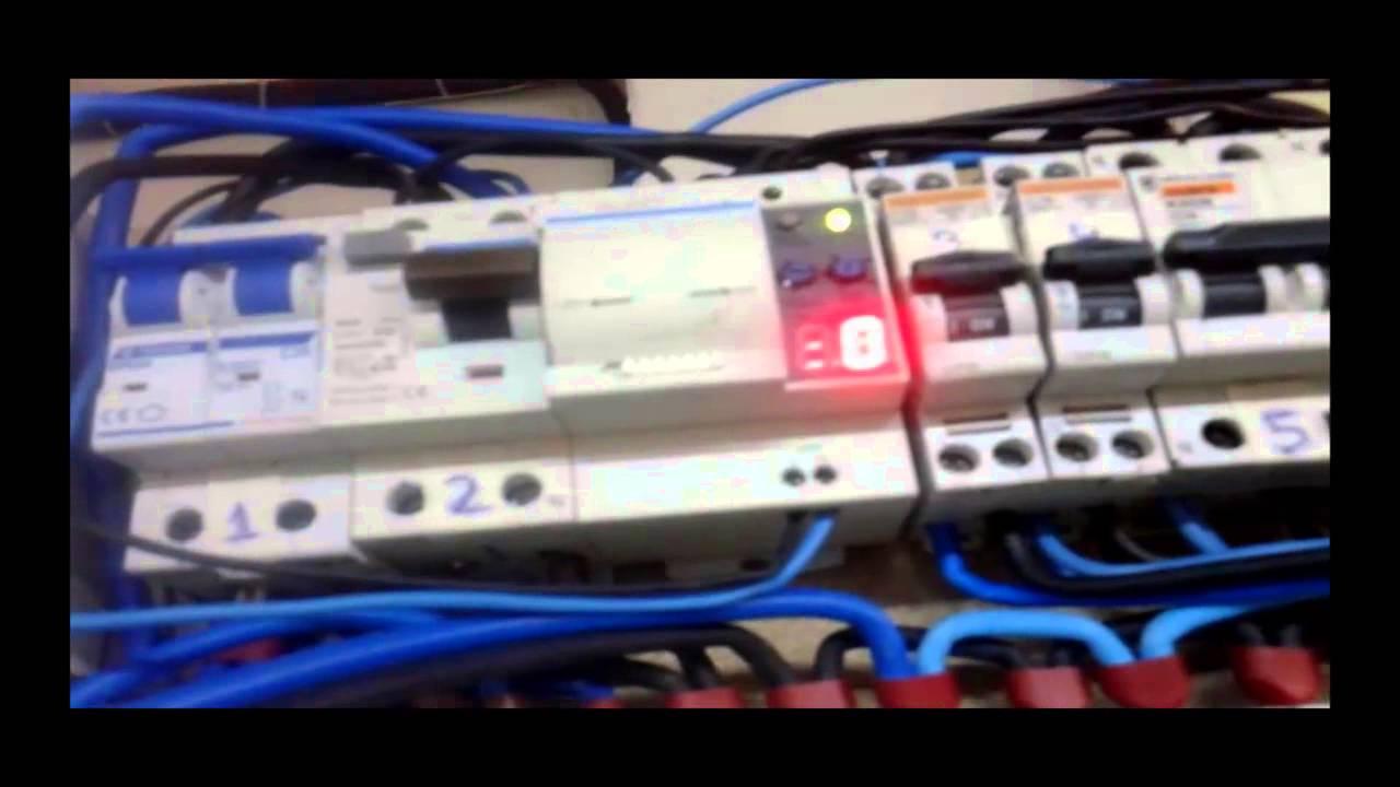 Interruptor diferencial con rearme autom tico youtube for Diferencial rearme automatico